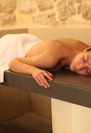 1 accès au spa, 1 gommage, 1h de soins au choix