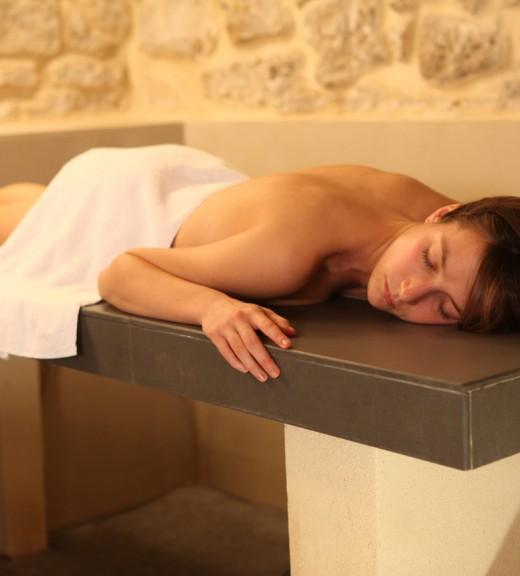 1 accès au Spa, 1 massage de 15min