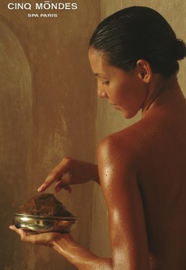 1 accès au Spa, gommage au choix et massage de 15 min